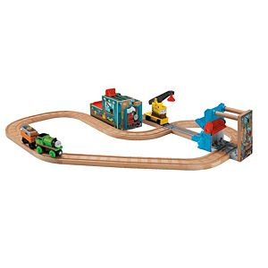 Thomas & Friends™ Wooden Railway Reg & Percy at the Scrapyard