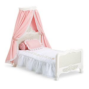 Samantha's Bed & Bedding