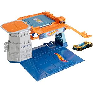 Hot Wheels® Sky-Base Blast™ Track Set