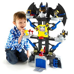 Imaginext&#174; DC Super Friends&#8482; Transforming BATCAVE</em>