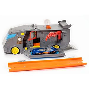 Hot Wheels® Pit Crewser™ Vehicle