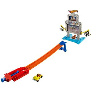 Hot Wheels® Triple Target Takedown™ Track Set