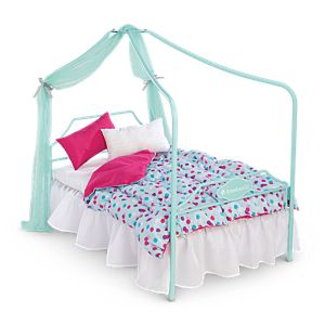 Canopy Bed & Bedding Set