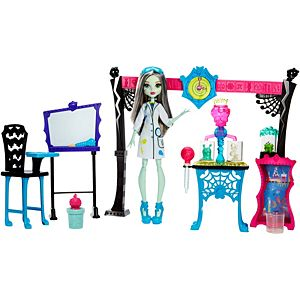 Monster High® Skulltimate Science Class™ Playset & Doll