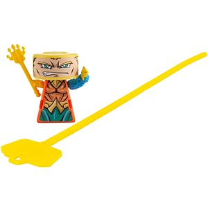 VS Rip-Spin Warriors™ Aquaman™ Warrior