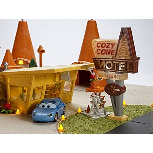 Disney•Pixar Cars 3 Sally's Cozy Cone Motel Playset