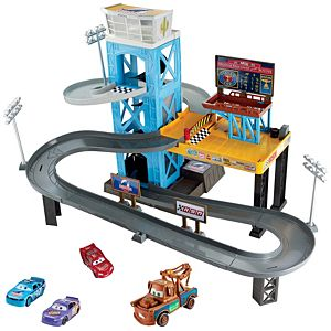 Disney•Pixar Cars 3 Garage Gift Set