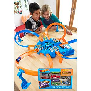 SPECIAL OFFER! Hot Wheels® Criss Cross Crash & Bonus 9-Car Pack