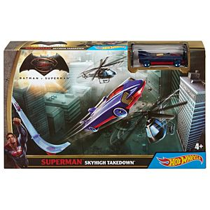 Hot Wheels® Batman V Superman™ Superman™ Skyhigh Takedown™ Trackset