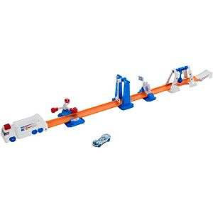 Hot Wheels® Daredevil Derby™ Play Set