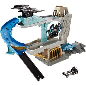 Hot Wheels® Bat Cave™ Play Set