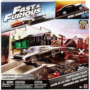 Fast & Furious™ Street Scene Quarter Mile Escape