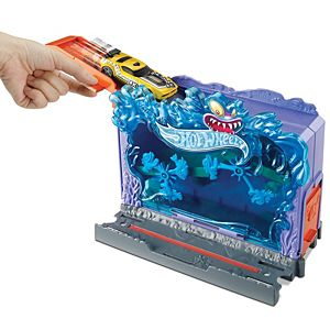 Hot Wheels® City Downtown Aquarium Bash™Play Set