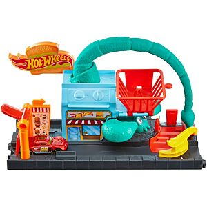 Hot Wheels® City Scorpion Drive-In Attack Play Set