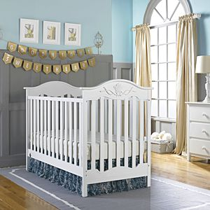 Charlotte Rose Traditional Crib