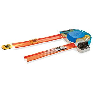 Hot Wheels® Track Builder Custom Turn Kicker