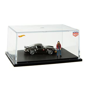 RLC Exclusive Urban Outlaw Porsche 964 w/ Magnus Walker Figurine