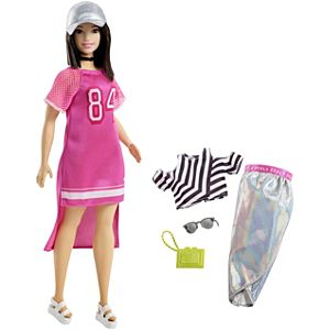 Barbie® Fashionistas™ 101 Doll & Fashions – Curvy