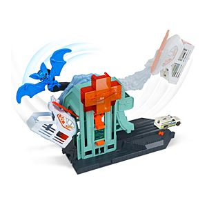 Hot Wheels® Bat Blitz Hospital Attack Play Set