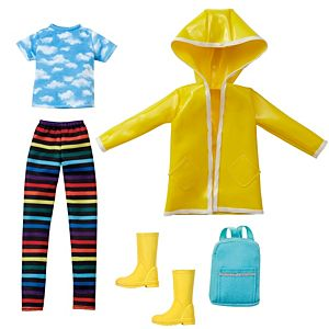 Creatable World™ Rainy Day Style Pack, 5-Piece Fashion Set with Rain Clothes and Accessories