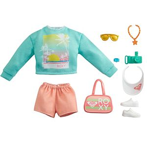 ​Barbie® Storytelling Fashion Pack of Doll Clothes Inspired by Roxy: Sweatshirt with Roxy Graphic, Orange Shorts & 7 Beach-Themed Accessories for Barbie® Dolls Including Camera