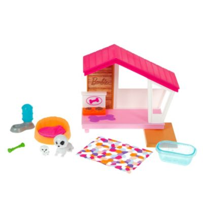 BBQ Theme with Scented Grill GRG76 Gift for 3 to 7 Year Olds Barbie Mini Playset with Themed Accessories and Pet