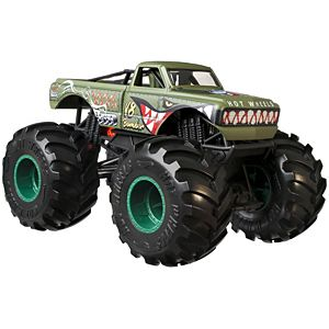 Hot Wheels® Monster Trucks 1:24 V8 Bomber Vehicle
