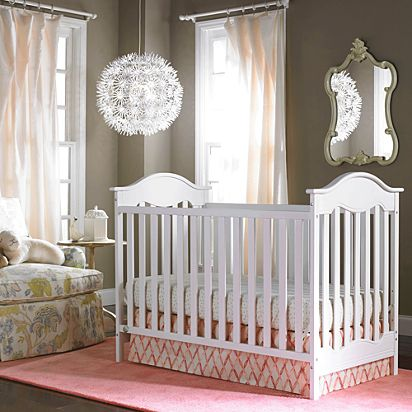 Charlotte Traditional Crib Fp911893 Fisher Price